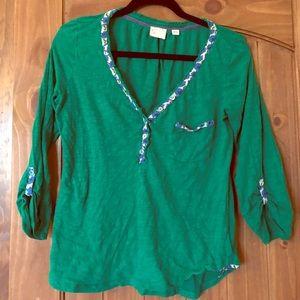 Emerald green cotton shirt, cute details, like new